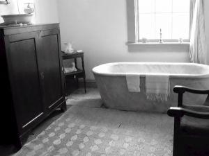 B&w bathtub